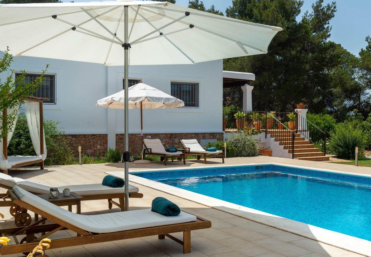 Villa in Santa Gertrudis - VILLA CURREU III