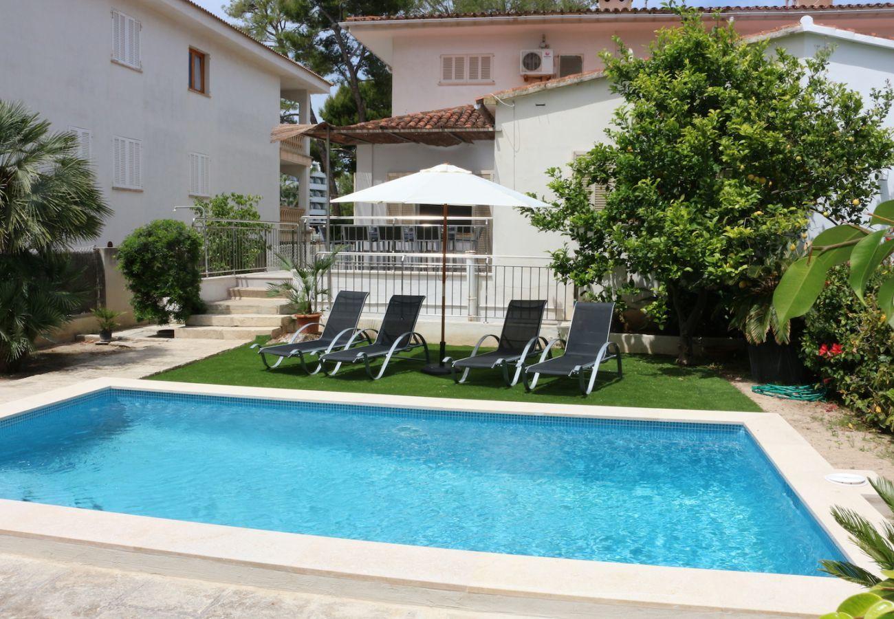4 DSZ, 2 Bäder, kindersicherer Pool, Garten mit Grill, Klimaanlage, gratis Wifi-internet