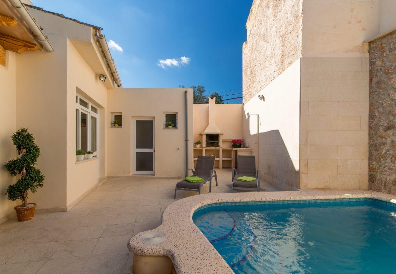 3 DSZ, 3 BZ, Klimaanlage, gratis Wifi, Pool Terrasse mit Grillbereich und Aussendusche