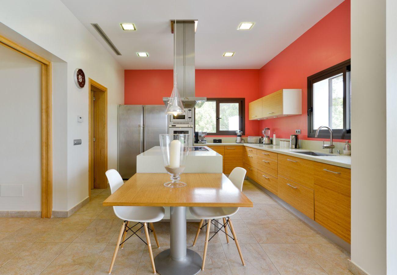 Villa in Santa Gertrudis - Can Carabasso, Villa 5StarsHome Ibiza