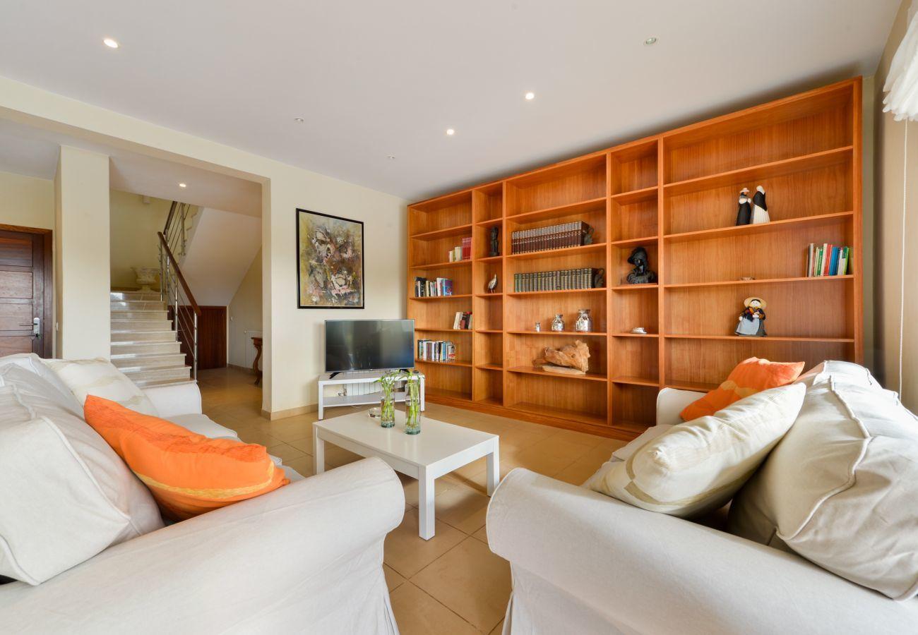 Villa in Santa Eulària des Riu - Can Guasch, Villa 5StarsHome Ibiza